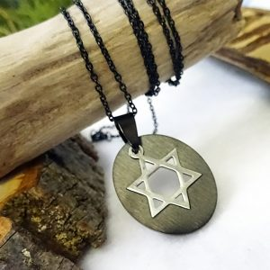 Black Oval Plate Silver Star of David Inset Pendant Necklace
